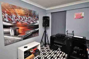Custom DJ Canvas
